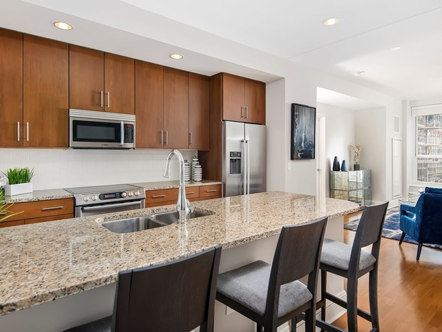 1 Bedroom, Gold Coast Rental in Chicago, IL for $2,429 - Photo 2