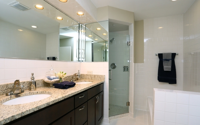 2 Bedrooms, Lincoln Park Rental in Chicago, IL for $2,995 - Photo 1