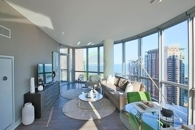 2 Bedrooms, Streeterville Rental in Chicago, IL for $4,778 - Photo 2