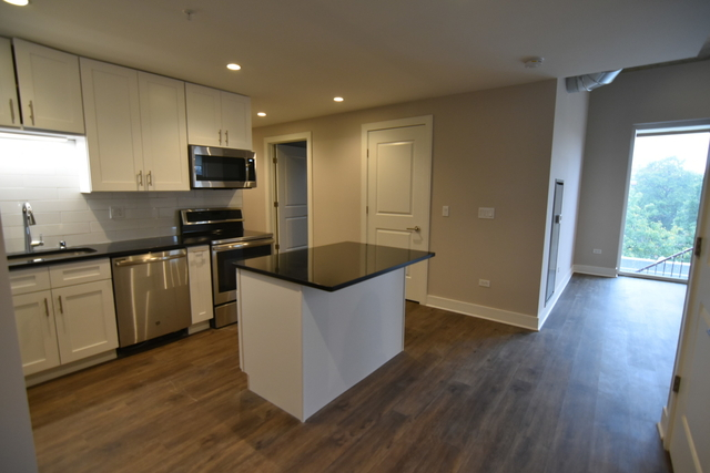 3 Bedrooms, Lake View East Rental in Chicago, IL for $3,665 - Photo 1