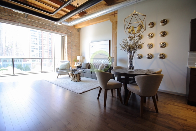 2 Bedrooms, Streeterville Rental in Chicago, IL for $4,140 - Photo 1