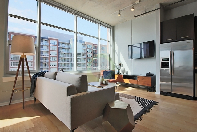 2 Bedrooms, South Loop Rental in Chicago, IL for $3,586 - Photo 1