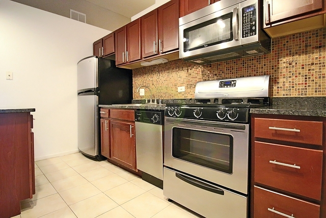 2 Bedrooms, Old Town Rental in Chicago, IL for $3,033 - Photo 1