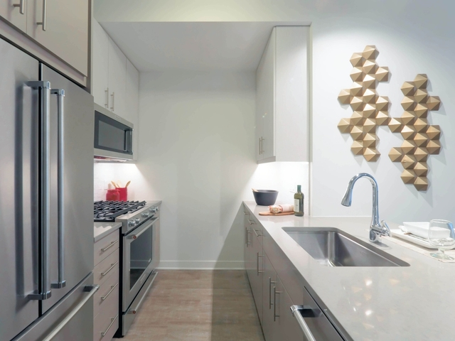 1 Bedroom, Gold Coast Rental in Chicago, IL for $2,485 - Photo 2