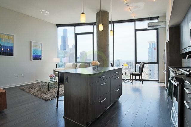 3 Bedrooms, Fulton Market Rental in Chicago, IL for $3,743 - Photo 1
