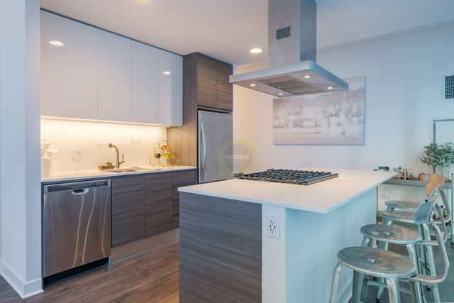 2 Bedrooms, River North Rental in Chicago, IL for $3,840 - Photo 1