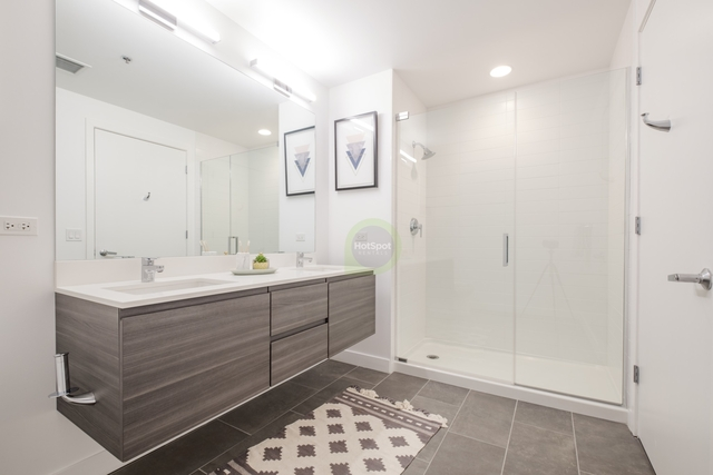 3 Bedrooms, River North Rental in Chicago, IL for $5,689 - Photo 2