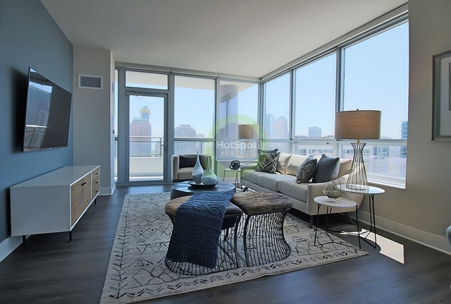 2 Bedrooms, South Loop Rental in Chicago, IL for $3,728 - Photo 1