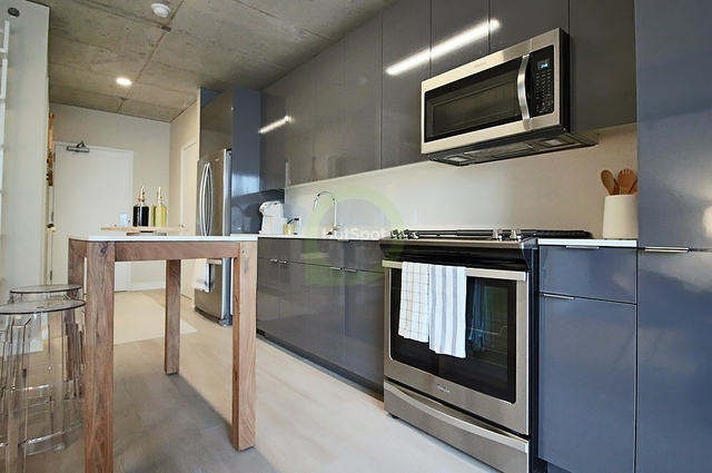 2 Bedrooms, River North Rental in Chicago, IL for $3,914 - Photo 1