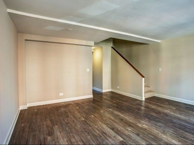 2 Bedrooms, River North Rental in Chicago, IL for $2,396 - Photo 1