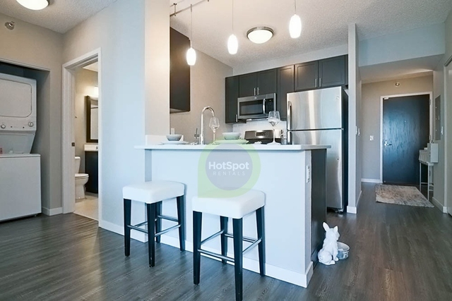 1 Bedroom, Gold Coast Rental in Chicago, IL for $2,217 - Photo 2
