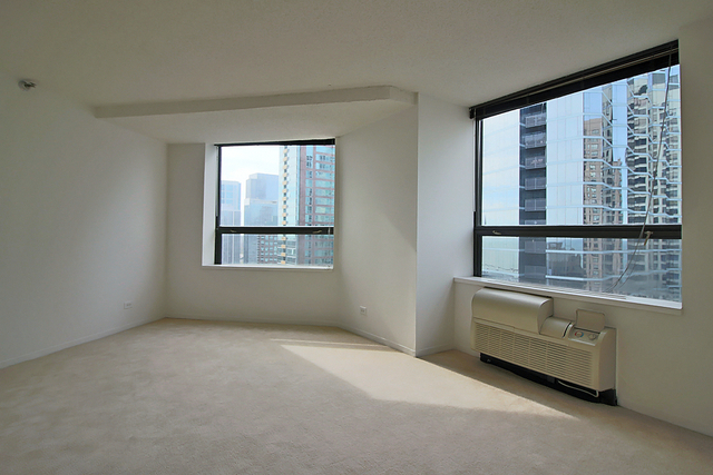 2 Bedrooms, Gold Coast Rental in Chicago, IL for $1,714 - Photo 1