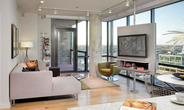 2 Bedrooms, Goose Island Rental in Chicago, IL for $2,676 - Photo 1