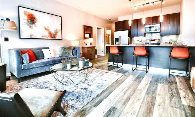 2 Bedrooms, River North Rental in Chicago, IL for $3,910 - Photo 1