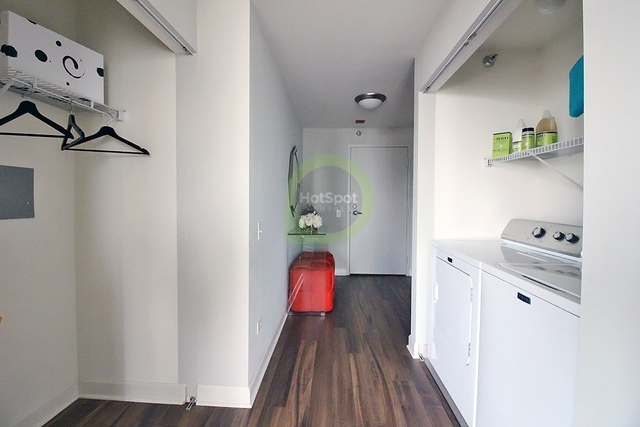 3 Bedrooms, Fulton River District Rental in Chicago, IL for $6,175 - Photo 1