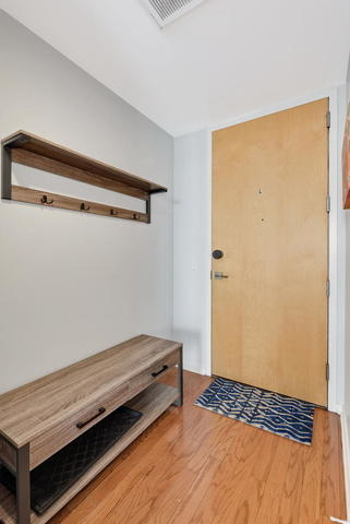 2 Bedrooms, Prairie District Rental in Chicago, IL for $2,250 - Photo 2