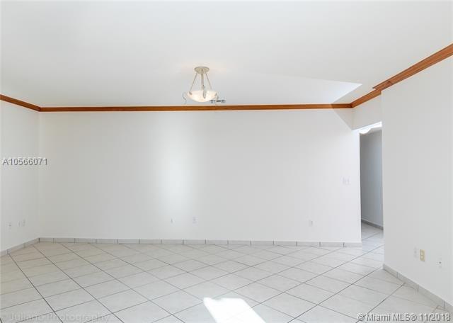 3 Bedrooms, Brickell Estates Rental in Miami, FL for $5,000 - Photo 2