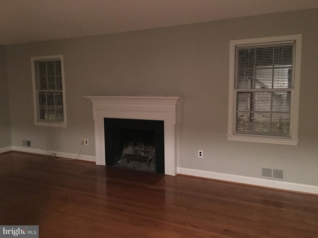 3 Bedrooms, Bethesda Rental in Washington, DC for $3,500 - Photo 2