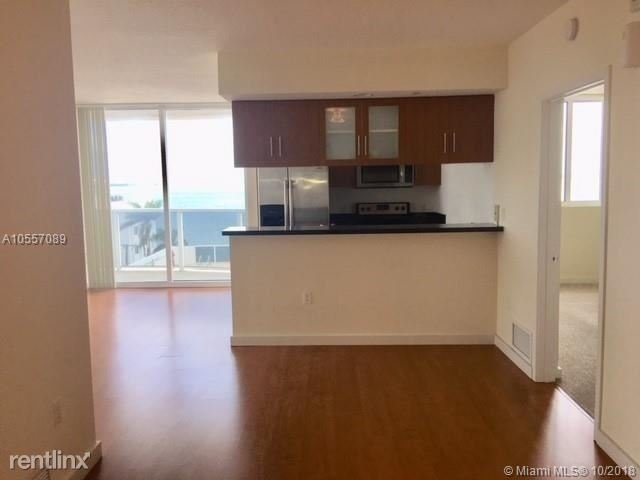 3 Bedrooms, Shorelawn Rental in Miami, FL for $2,400 - Photo 2