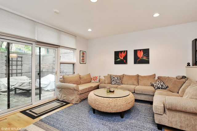 2 Bedrooms, Lincoln Park Rental in Chicago, IL for $3,000 - Photo 2