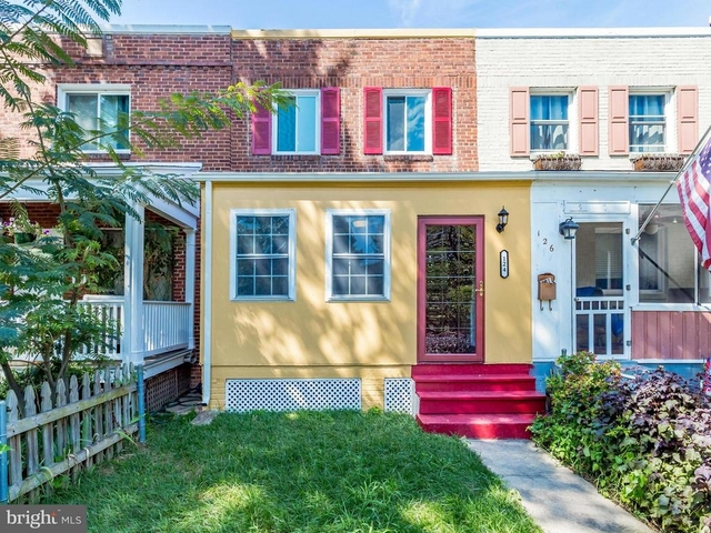 2 Bedrooms, Lynhaven Rental in Washington, DC for $2,600 - Photo 2
