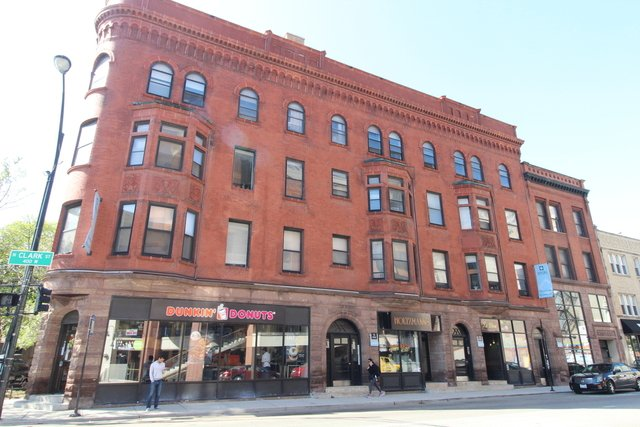 2 Bedrooms, Lincoln Park Rental in Chicago, IL for $2,210 - Photo 1