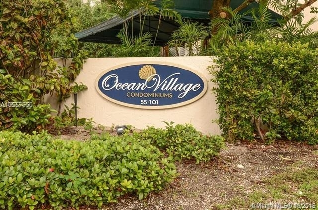 3 Bedrooms, Village of Key Biscayne Rental in Miami, FL for $3,600 - Photo 1