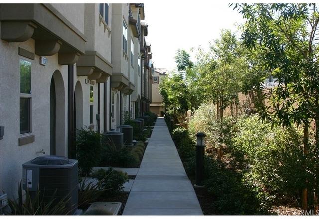 3 Bedrooms, Van Nuys Rental in Los Angeles, CA for $2,900 - Photo 1