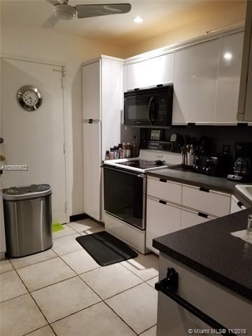 2 Bedrooms, Jacaranda Rental in Miami, FL for $1,600 - Photo 2