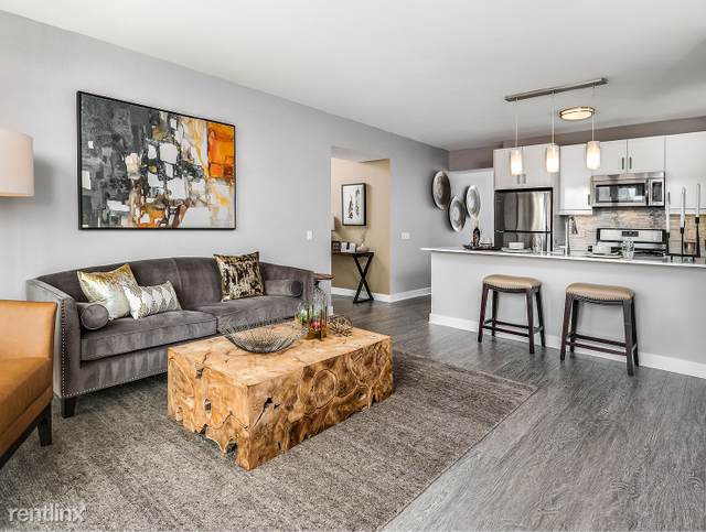 2 Bedrooms, Dearborn Park Rental in Chicago, IL for $3,500 - Photo 2