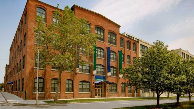 2 Bedrooms, East Cambridge Rental in Boston, MA for $3,232 - Photo 2