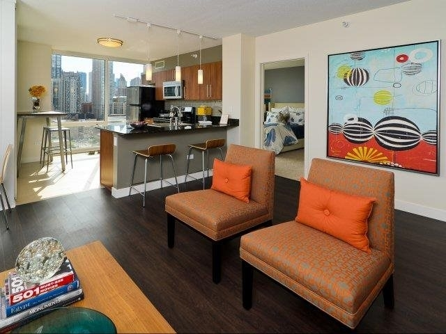 3 Bedrooms, River North Rental in Chicago, IL for $5,515 - Photo 1