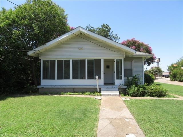 3 Bedrooms, Little Forest Hills Rental in Dallas for $1,750 - Photo 2