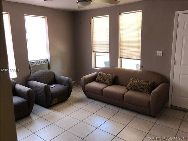 2 Bedrooms, Westhaven Rental in Miami, FL for $1,300 - Photo 2