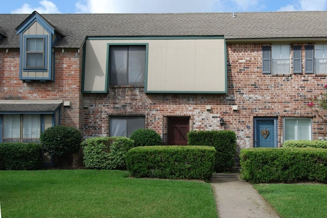 3 Bedrooms, London Townhome Rental in Houston for $1,350 - Photo 1