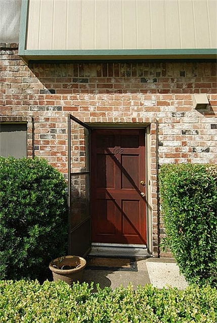 3 Bedrooms, London Townhome Rental in Houston for $1,350 - Photo 2
