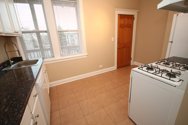 2 Bedrooms, Logan Square Rental in Chicago, IL for $1,550 - Photo 2
