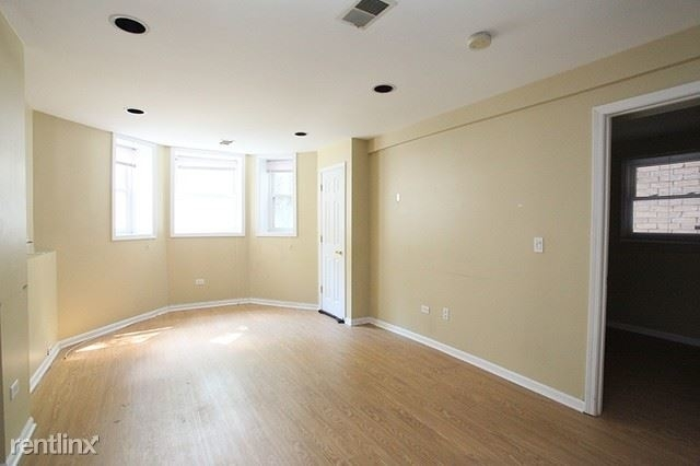 2 Bedrooms, Lakeview Rental in Chicago, IL for $1,500 - Photo 2