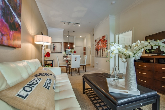 1 Bedroom, Jackson Hill Place Rental in Houston for $1,290 - Photo 2