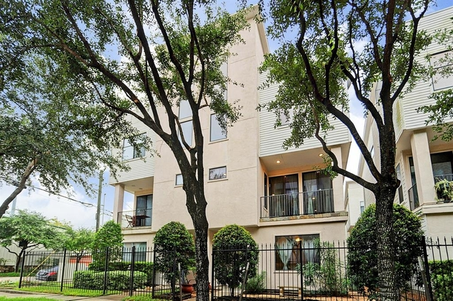 3 Bedrooms, Downtown Houston Rental in Houston for $2,395 - Photo 1