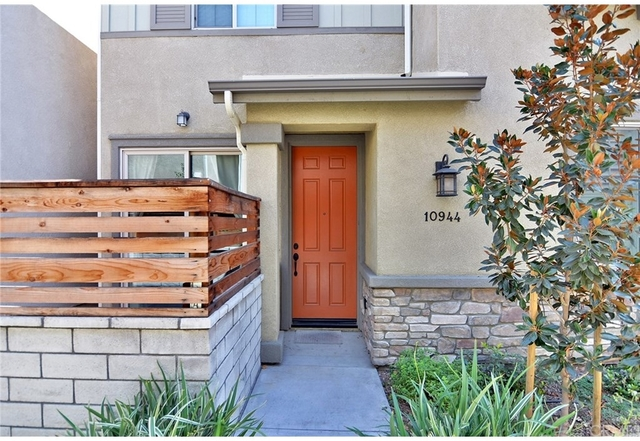 5 Bedrooms, Mid-Town North Hollywood Rental in Los Angeles, CA for $4,250 - Photo 1