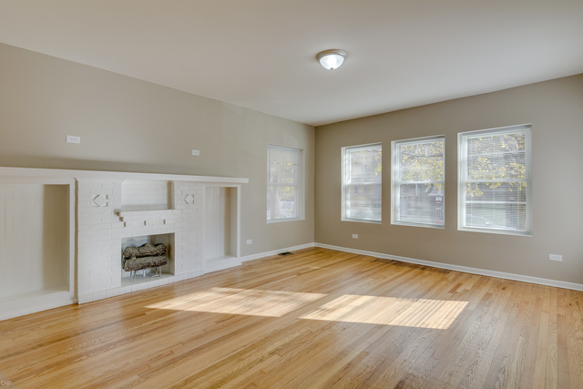 2 Bedrooms, East Chatham Rental in Chicago, IL for $1,000 - Photo 2