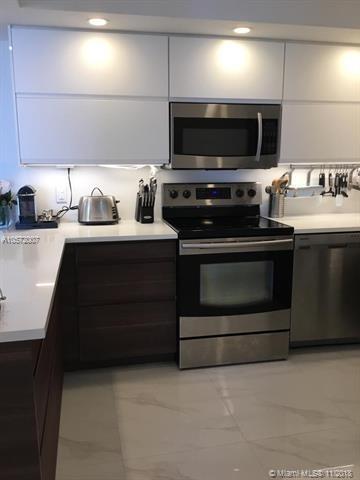2 Bedrooms, Oceanfront Rental in Miami, FL for $2,950 - Photo 2
