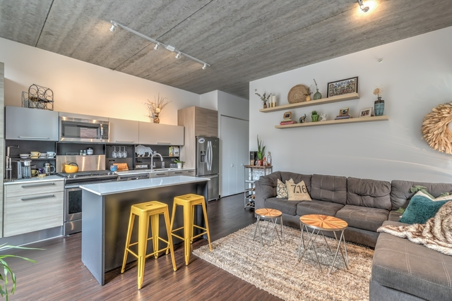 2 Bedrooms, Fulton River District Rental in Chicago, IL for $2,950 - Photo 2