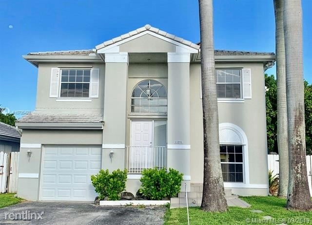 4 Bedrooms, Coral Creek Rental in Miami, FL for $2,750 - Photo 1