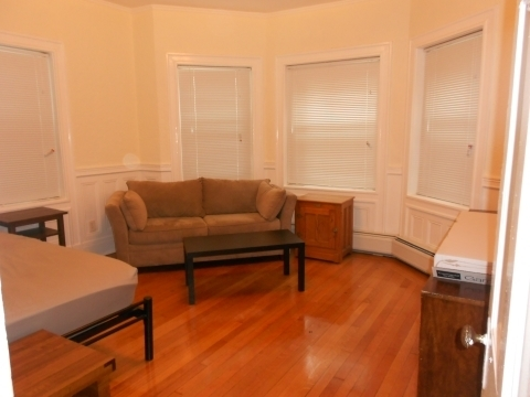 4 Bedrooms, Coolidge Corner Rental in Boston, MA for $3,500 - Photo 1