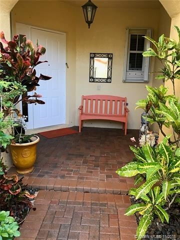 3 Bedrooms, Hollywood Lakes Rental in Miami, FL for $3,950 - Photo 1