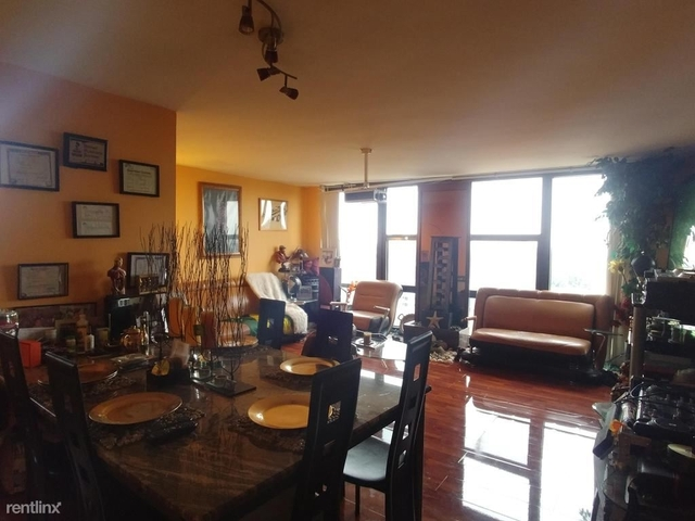 2 Bedrooms, South Commons Rental in Chicago, IL for $2,000 - Photo 2