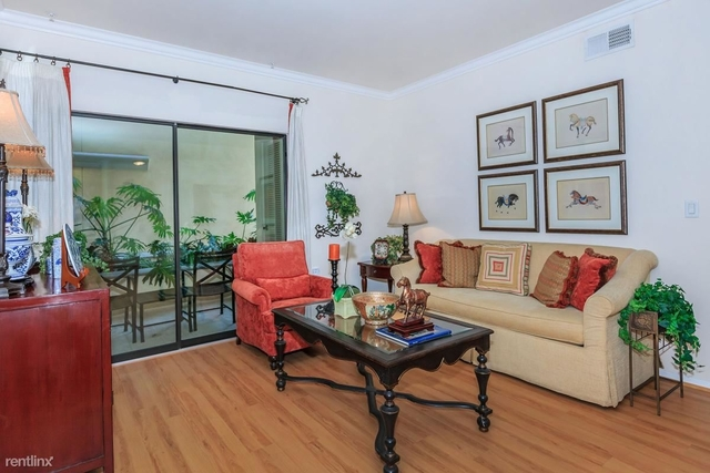 Room, Civic Center Rental in Los Angeles, CA for $800 - Photo 2