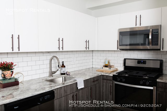 3 Bedrooms, Grant Park Rental in Chicago, IL for $2,637 - Photo 1